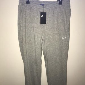 NWT Nike sweatpants